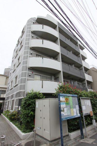 ラグジュアリーアパートメント東中野の外観写真