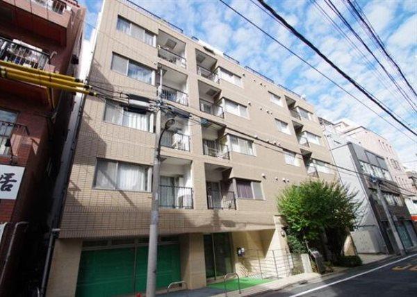 デュオ・スカーラ西新宿の外観